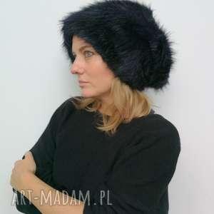 czapki granatowa futrzana damska czarna boho zimowa z motywem patchworku, czapka