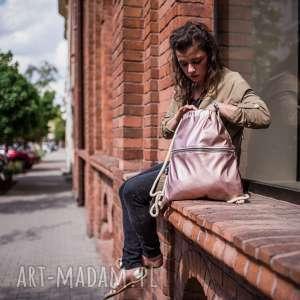 Pudrowy plecak z kieszenią, pudrowy, różowy, worek, plecak, metaliczny