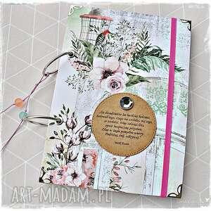 niekończący się, romantyczny notatnik, pamiętnik, segregator