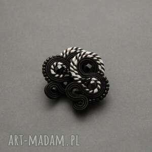 czarno-białe kolczyki sutasz, sznurek, wiszące, eleganckie, wyjściowe