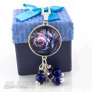 Wisior True Blue, wisiorek, medalion, naszyjnik, szklany, koraliki, kwiatek