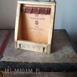 oryginalny prezent, buenaartis szafeczka na klucze, szafka, prezent dom