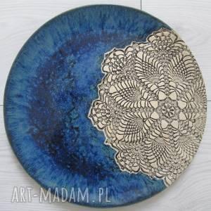 Granatowy koronkowy talerz ceramika ana koronkowa ceramika