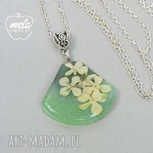 ręcznie zrobione wisiorki 0499/mela wisiorek z żywicy kwiatami