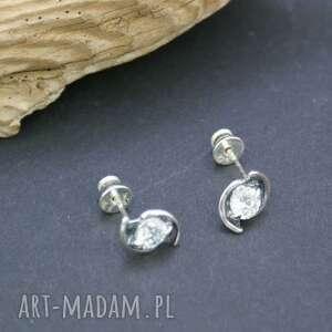 Kolczyki srebrne z cyrkonią, kolczyki, srebrne, wkrętki, cyrkonie, błyszczące