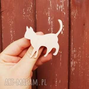 przypinka do nerki kotek, pin, przypinka, broszka, kot, sklejka, kotek