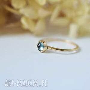 złoty pierścionek z topazem, pierścionek, klasyczny topaz