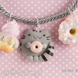 słodki pusheen, modelina, babeczka, pączek, donut, kot biżuteria
