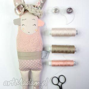 siostra szi pudrowa koronka - zabawka hand made, zabawka, lalka, prezent, misiu