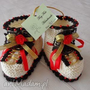 ręczne wykonanie buciki niemowlęce - folk
