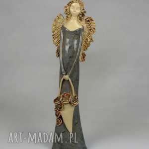 anioł z koszem maków, anioł, ceramiczny, kosz ręcznie wykonany ceramika