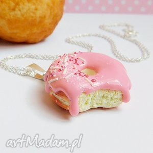 pączek w polewie - wisiorek - donut, pączek, fimo, modelina, słodki