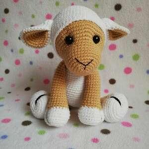 pod choinkę prezenty, owieczka molly, owca, szydełkowa, maskotka