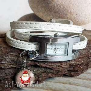 Zegarek damski na pasku skórzanym z zawieszką - mikołaj