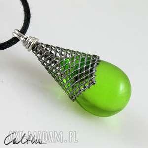 Zielony w rożku - wisiorek # wisiorki caltha wisior, kropla