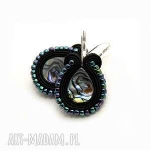 kolczyki sutasz z muszlą paua, sznurek, perła, kolorowe, opalizujące, codzienne