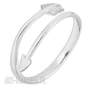 handmade obrączki srebrny pierścionek ze strzałą