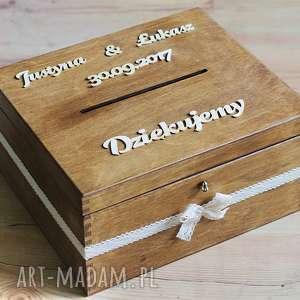 Pudełko z kluczykiem - napisy i koronka, drewno, pudełko, eko, rustykalne