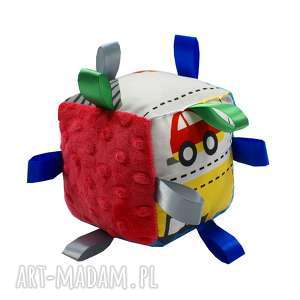 handmade zabawki kostka sensoryczna, wzór pojazdy
