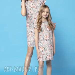 komplet letnich sukienek z kontrafałdą na plecach, model 32a, wzór w kwiaty