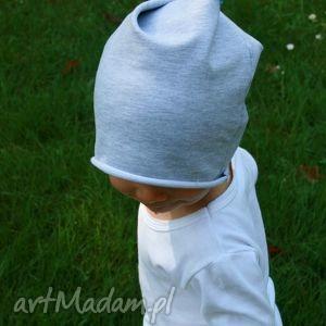 Jesienna czapka z szarej dzianiny pomponem, czapka, szara, szary, dzianina, bawełna