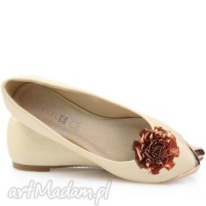 Brown ribbon flower - ozdoby do butów broshka kwiat, ozdoba