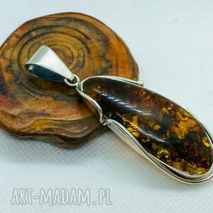 handmade wisiorki delikatny wisior z brązowym bursztynem srebro 925