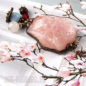 Kolorowy wisiorek z łańcuszkiem: naturalny kwarc różowy, długi-naszyjnik