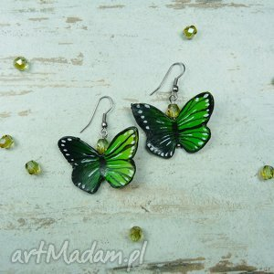 Wiosenne kolczyki z motylkiem w odcieniach zieleni, grenery. , kolczyki, wiszące