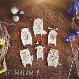 wyjątkowy prezent, pin do nerki broszka, pin, sklejka, drewno, las, lis