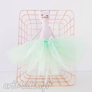 kot baletnica w miętowej spódnicy - ,tilda,kot,kotek,tiulowa,spódniczka,pastelowy,