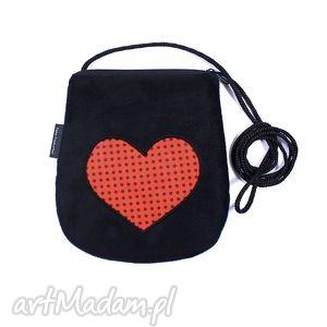 ręcznie robione mini minitorebka czarna z sercem