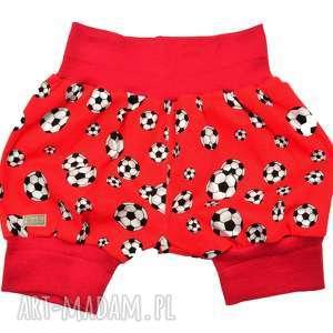 Czerwone piłki krótkie spodenki dla chłopca, pumpy niemowlęce