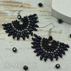 eleganckie kolczyki wachlarze, w odcieniach czerni, srebra i granatu