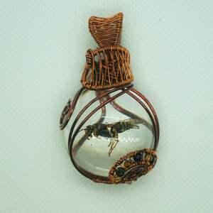 osa z bizancjum - zawieszka z prawdziwej osy żywicy i miedzi - żywica epoksydowa