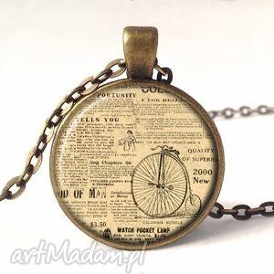 stara gazeta - medalion z łańcuszkiem - naszyjnik, prezent, vintage