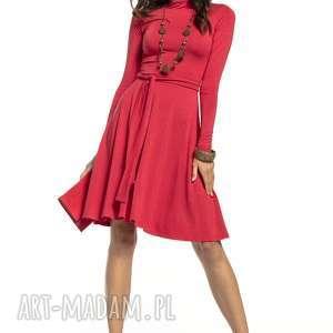 zwiewna sukienka z delikatnej w dotyku wiskozy golfikiem, t289, czerwona