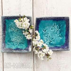 talerzyki turkusowe dwa ceramiczne, ceramika, talerz, talerzyk, róża, listki