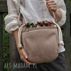 mikro iks sznurki beż róże, vegan, torebka, torba, boho, lato, hippie na ramię