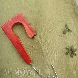 broszka bizuteria z drewna, bransoletka, czerwona biżuteria