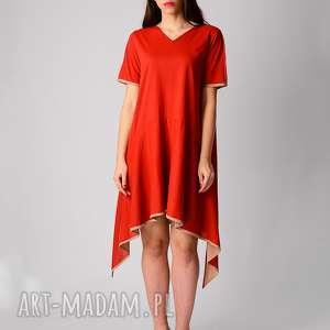 Bawełniana sukienka z dłuższymi bokami sukienki non tess red