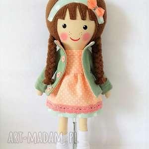 ręczne wykonanie lalki malowana lala klara