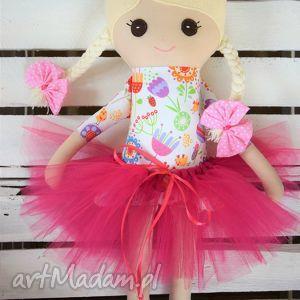lalki szmacianka, szmaciana laleczka w tiulowe spódniczce tutu