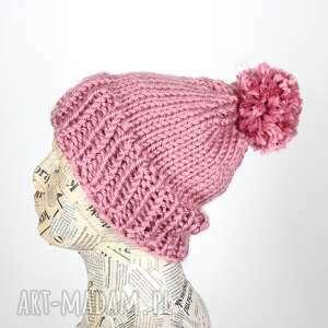 różowa czapka z pomponem ciepła, czapka, pompon, ciepła wełna