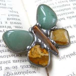 Broszka: Motyl zielono-beżowy, awenturyn, jakpis, kamienie-naturalne, motyl