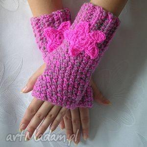 hand-made rękawiczki różowo szare mitenki z różowym kwiatkiem