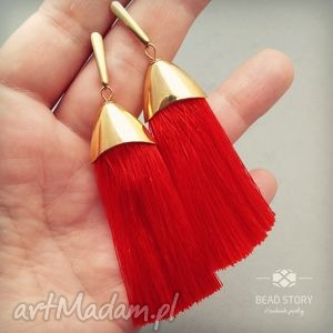 kolczyki pęszelki w złotej oprawie cynobrowo czerwone, sztyfty, stal, metal, chwost
