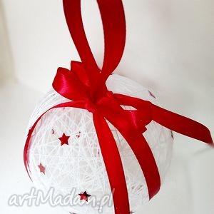 Kordonkowa bombka - biel i czerwień - ,ozdoby,bombki,bombka,święta,choinka,