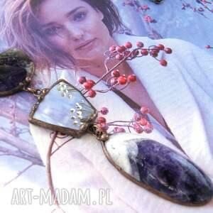 długi naszyjnik wisiorek chwost malowany ametyst, z kamieni