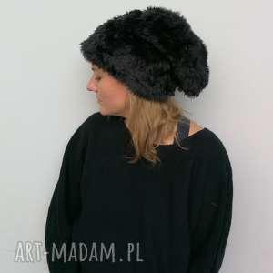 czapka futrzana damska czarna boho zimowa z kawałkiem paska - box 44- ciepła